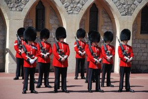 changing-of-the-guards-959470__340